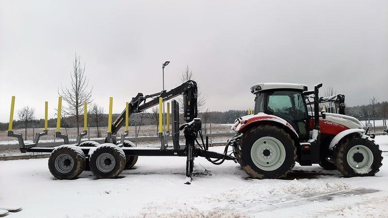 traktor-z-przyczepa